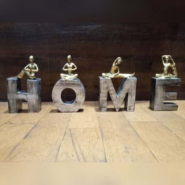 H O M E    Table Decoration Artifact (Set of 4)